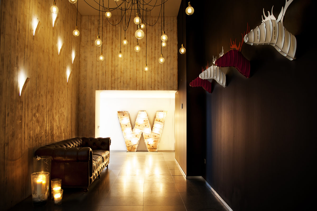WEWORK FACTORY. Pasillo